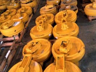 Колесо направляющее 2270-1084 для Doosan SOLAR340LC-V